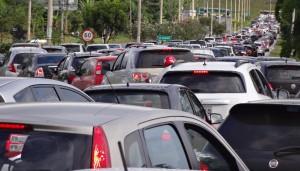 DSC08118_25-02-2014_EPVP_SaidaAguasClaras_Carros_caos_congestionamento_SELECAO_edit4