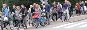 DSC08323_Amsterdam_MuitasBicicletas_Congestinamento_Cruzamento_edit
