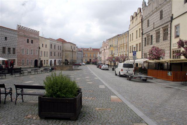 Cidade no interior da Áustria: zona 30km/h e prioridade total ao pedestre