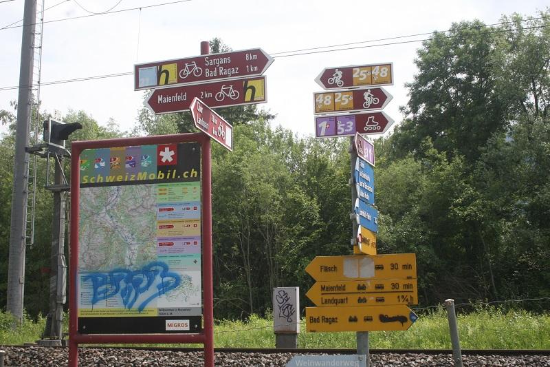 Placas para cicloturismo, mountain bike, patinação e pedestrianismo (amarelas)