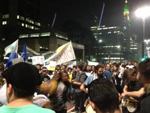 Av. Paulista na manifestação posterior a revogação do valor das passagens