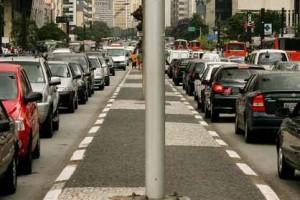 BALANCO DA CET SOBRE A OPERACAO RODIZIO MOSTROU QUE A LENTIDAO NA CIDADE DE SAO PAULO AUMENTOU DE 2005 PARA 2006