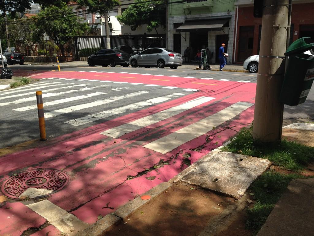 Entrada na Rua Coronel Lisboa.