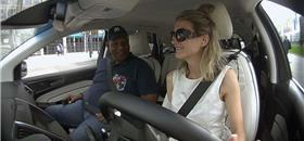Na Holanda, um serviço de táxi só com motoristas deficientes