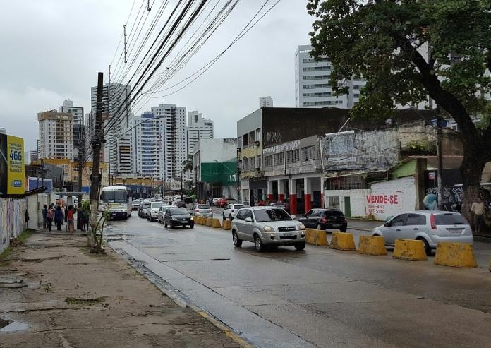 Avenida Norte, no Recife, objeto deste estudo de m