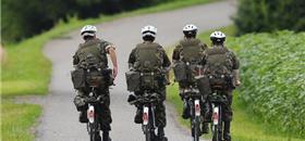 Famosas bicicletas do exército suíço fazem 125 anos