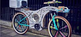 Em Londres, uma bicicleta feita com 74 utensílios de cozinha