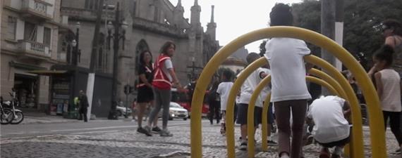 Bonde a pé vai levar 30 crianças do Bixiga à estação Paraíso do Metrô