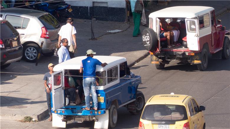 Jipe é transporte público em Cartagena
