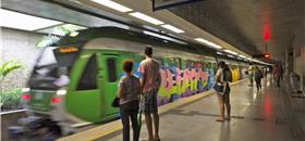 Chinesa e inglesa interessadas em metrôs do Ceará