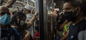 Menos transporte elevou contágio nas periferias