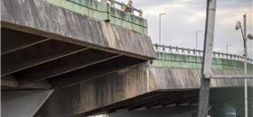 O viaduto está caindo...e não foi por falta de aviso
