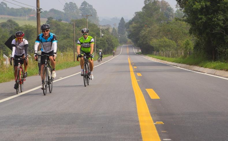 Estudo analisa acidentes com ciclistas em rodovias