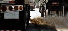 Frotas de ônibus e caminhões em SP devem fazer novos inventários de emissões