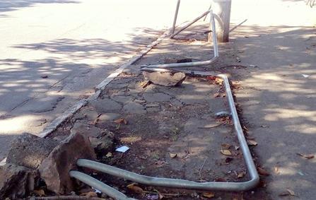 Grades de proteção da calçada
