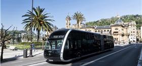 Mais um ônibus com jeitão de bonde: a novidade vem da Espanha