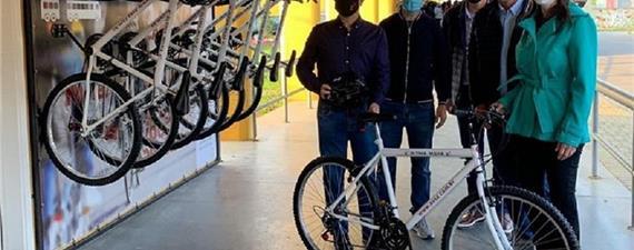 Empresa de ônibus no Paraná vai emprestar bike para passageiros