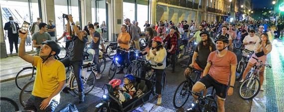 Manifestação em defesa de ciclovia reúne mil pessoas em Lisboa