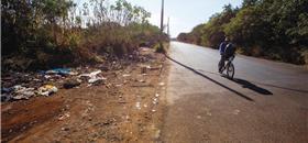 Pedestre enfrenta armadilhas nas calçadas de Ribeirão Preto (SP)