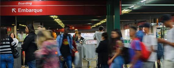Avisos sonoros no Metrô-SP terão vozes de crianças em outubro