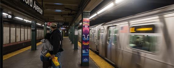 NY dará desconto no metrô e ônibus para pessoas de baixa renda