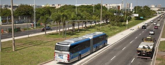 Prefeitura do Rio autoriza táxis em pista de BRT