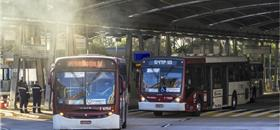 Ônibus e caminhões menos poluentes só em 2023 é