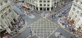 Como os sinais de trânsito priorizam os carros e desencorajam o caminhar