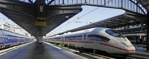 França lança projeto polêmico de trem rápido entre Paris e o aeroporto