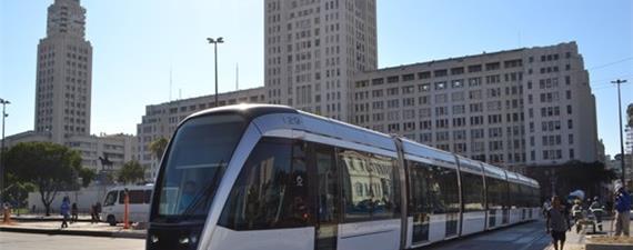 VLT do Rio passa a operar até a Central do Brasil