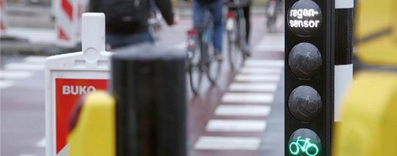 Semáforos inteligentes para ciclistas fazem sucesso em Roterdã