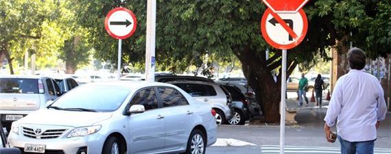 Zona azul: governo do DF quer cobrar por vagas perto do Metrô e BRT