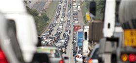 Caminhões no Brasil emitem mais carbono que todo o setor de energia