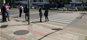 Porto Alegre tem surpresas (boas e ruins) no caminho do pedestre