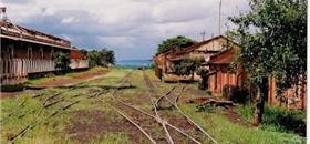 No Brasil, 1/3 dos trilhos ferroviários estão abandonados