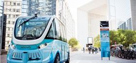 Micro-ônibus autônomo começa a circular em Paris