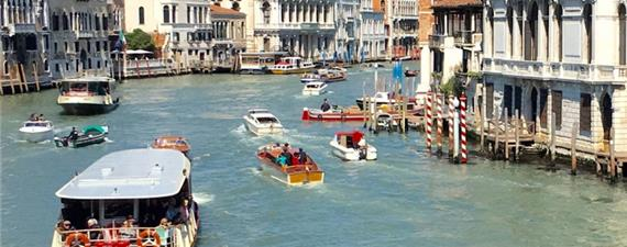 Veneza proíbe caiaques e similares no Grande Canal