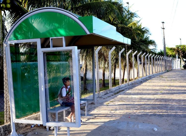 Prefeitura de Aracaju instala mais 30 novos abrigos de ônibus 19fae02238bc