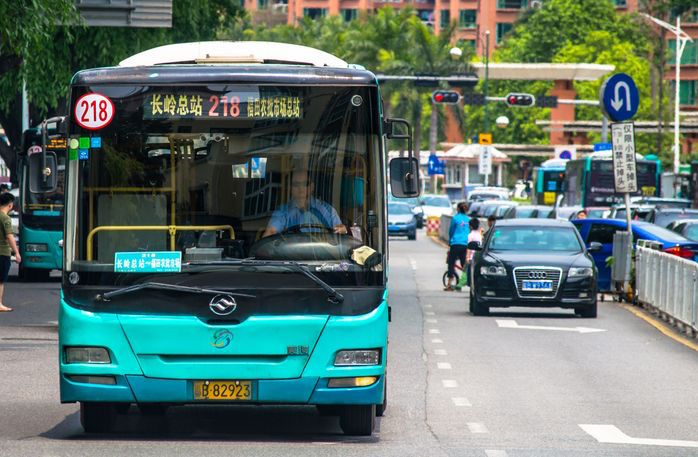 5ec4e2bd919 Ônibus em Shenzhen  frota maior que a de SP e 100%
