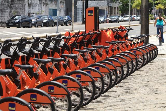 4a02d6ee6 Sistema de bikes compartilhadas é renovado no Reci
