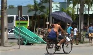 A bicicleta faz parte do dia a dia dos paranaguens