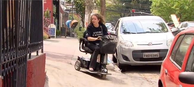 A cadeirante Mila Guedes