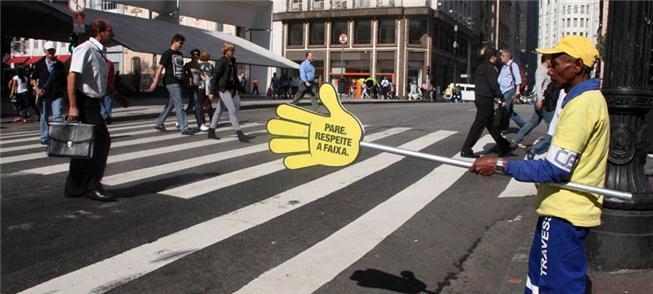 Ação de proteção ao pedestre no centro de São Paul