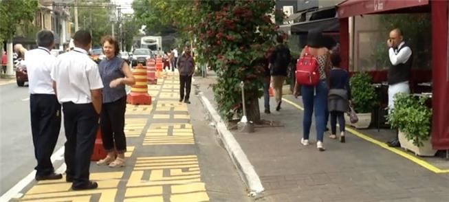 Ação em rua de SP amplia o espaço destinado ao ped
