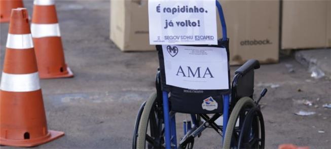 Ação exige respeito às vagas de pessoas com defici