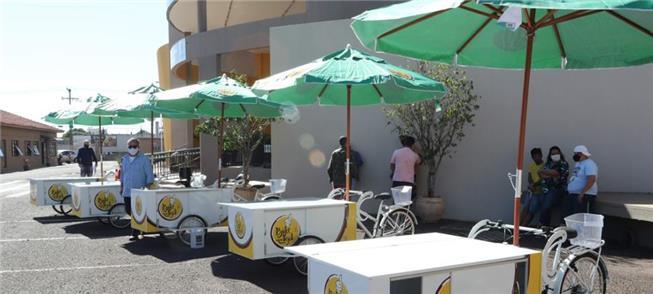 Ambulantes recebem bike padronizada em Cascavel (P