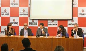 Anúncio da construção e reforma das calçadas pauli