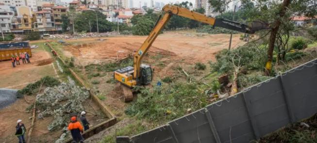 Área verde na Zona Leste é devastada pelo Metrô de