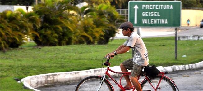 Ato pede compromisso público com mobilidade por bi