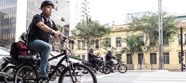 Av. Paulista, um desafio ainda para quem pedala